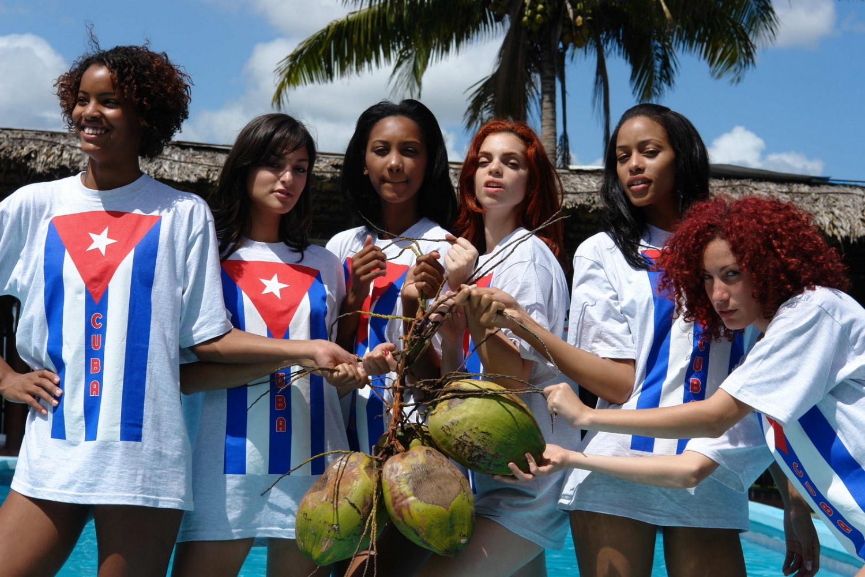 cuban-irish-girl-courtney-force-nude-tits