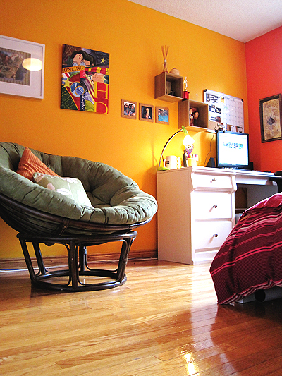 Orange and Yellow Bedroom: saucydwellings