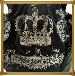 f vm crown print