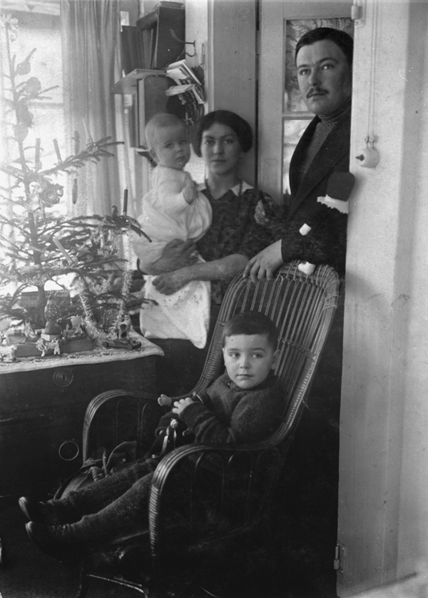 August Macke with his family, Christmas 1913
