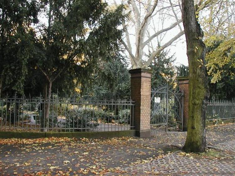 Macke grave