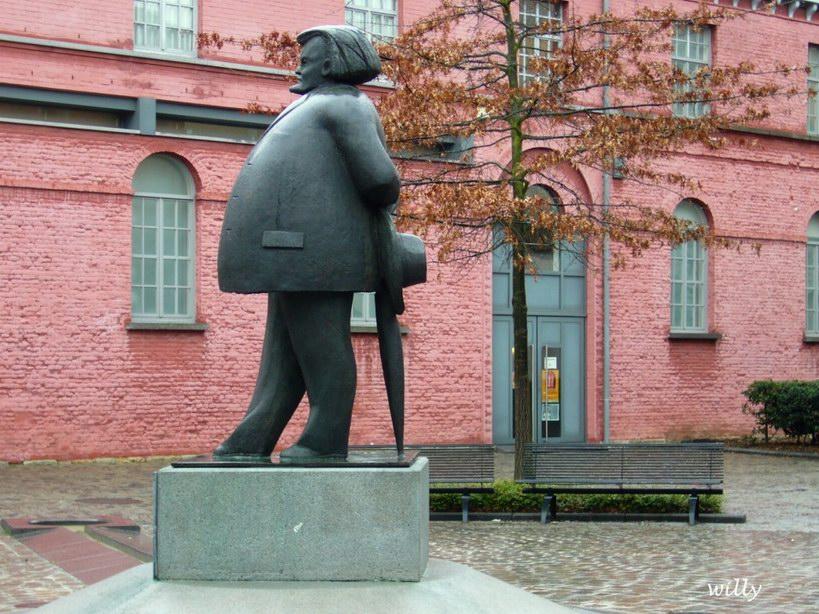 Valerius De Saedeleer sculpture
