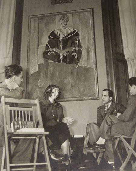Violette de Mazia teaching a class at the Barnes Foundation