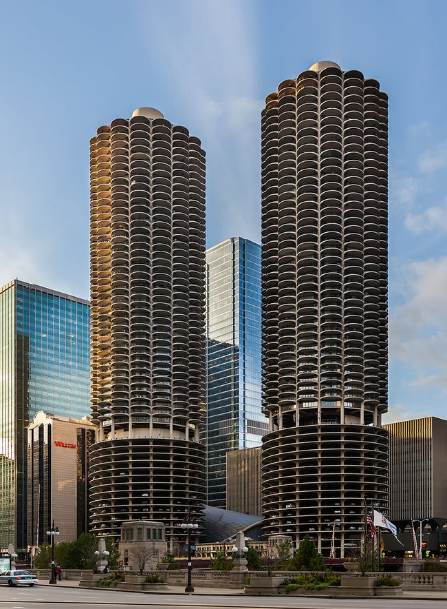 Resize of Marina_City,_Chicago,_Illinois,_Estados_Unidos,_2012-10-20,_DD_01