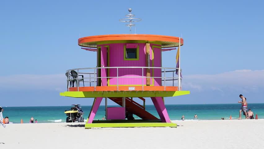 Lifeguard hut o