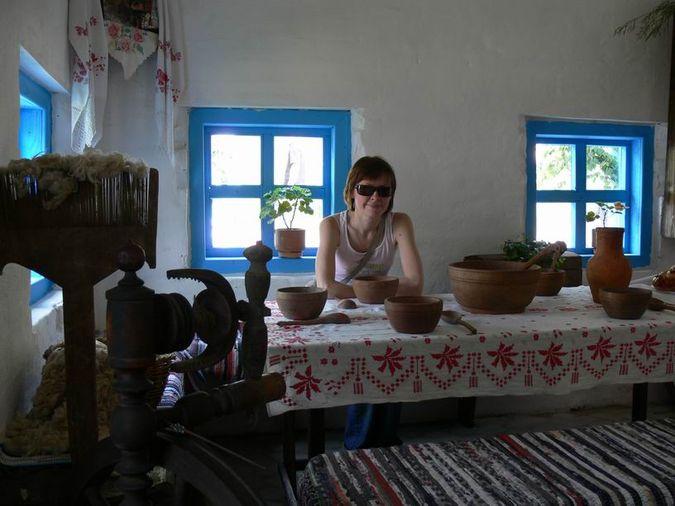 На «Українському подвір'ї» в Дивногір'ї.