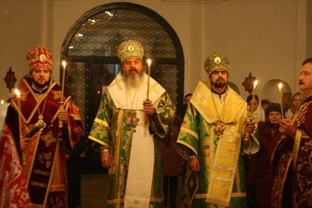 Службу Божу править Архієпископ Білгородський і Обоянський Іоасаф.