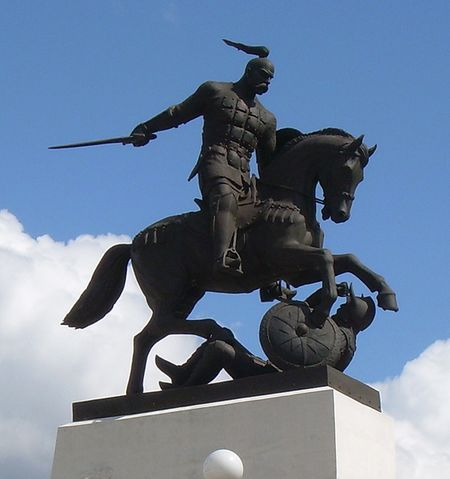 Пам'ятник Святославу Хороброму у Холках.