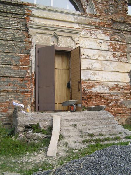 Храм Висимо-Уткинска_P1010054