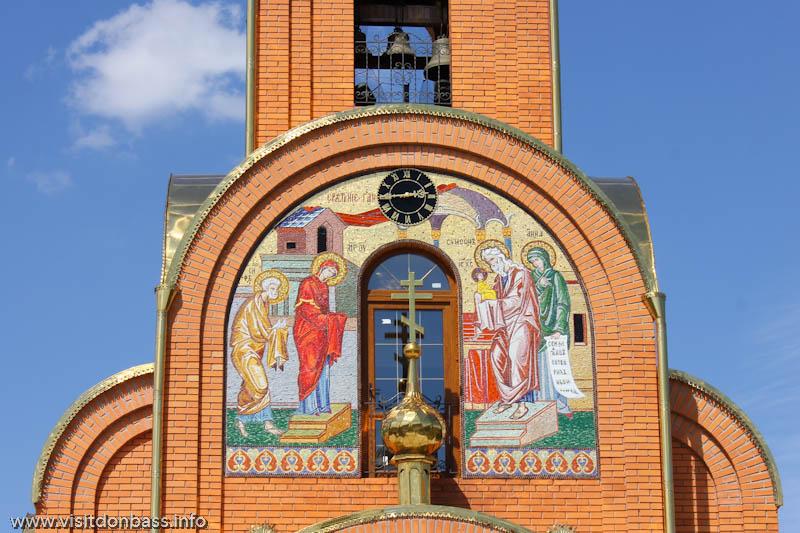 Свято-Покровский храм в селе Боевое - колокольня и часы