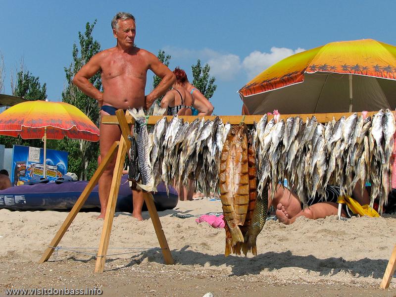Морские курорты, солнечные ванны и рыбные ресурсы - основное достояние Приазовья