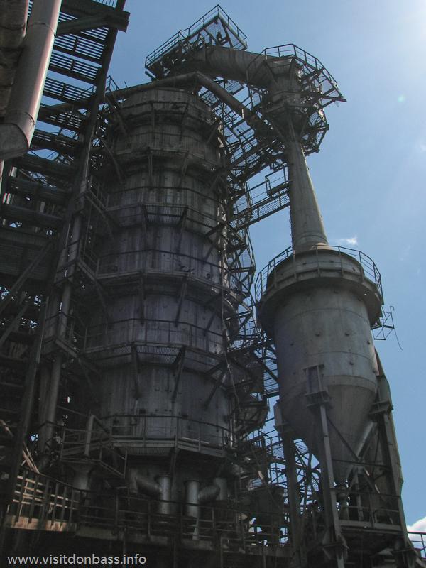 Металлургический завод Донецксталь. Готовая продукция и опасное производство. Чистое небо над мартеновским цехом