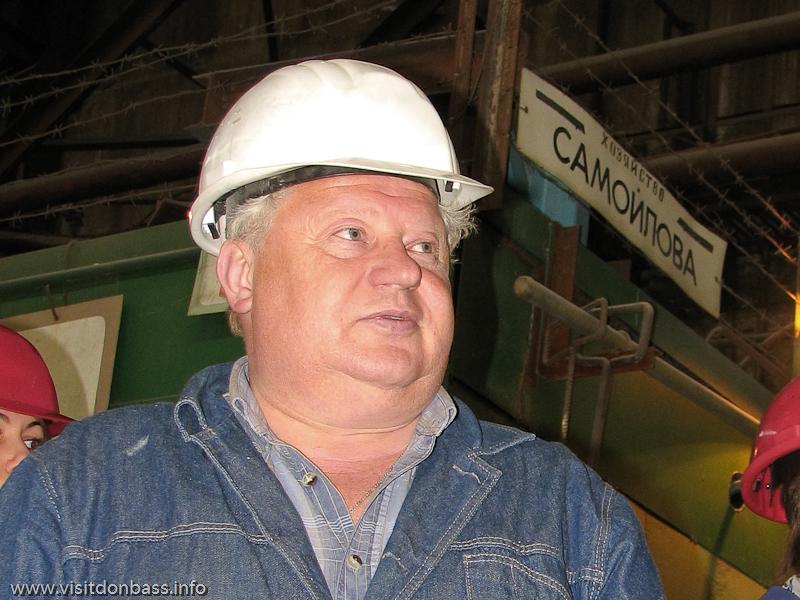 Виктор Самойлов - руководитель участка по производству церковных колоколов завода Донецксталь