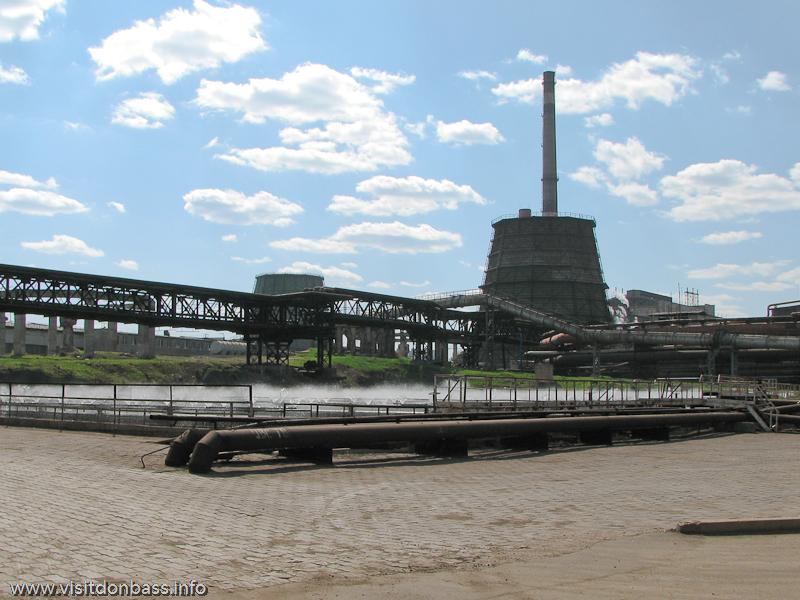 Металлургический завод Донецксталь. Готовая продукция и опасное производство