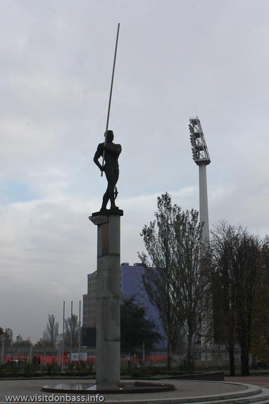 Фото: Памятник Сергею Бубке в Донецке / Donetsk, the Monument to Serhiy Bubka