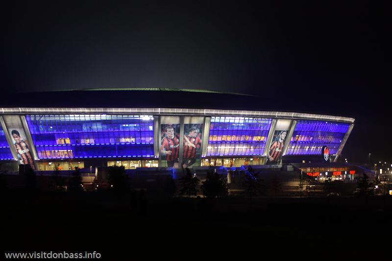 Ночное фото Донбасс Арены