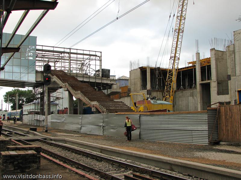Реконструкция перронов и строительство нового вокзального комплекса в Донецке