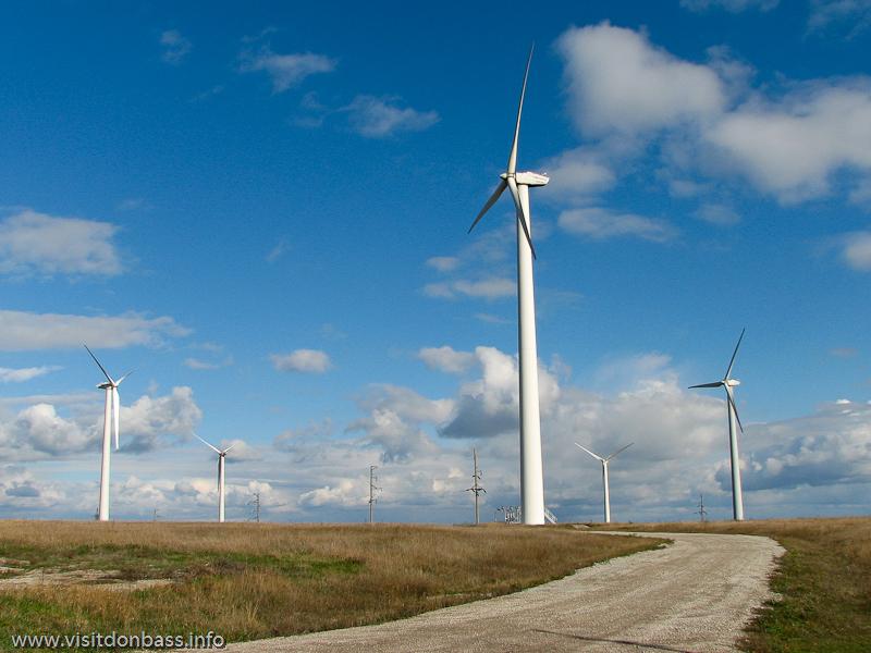 Ветряки новой конструкции на Новоазовской ВЭС