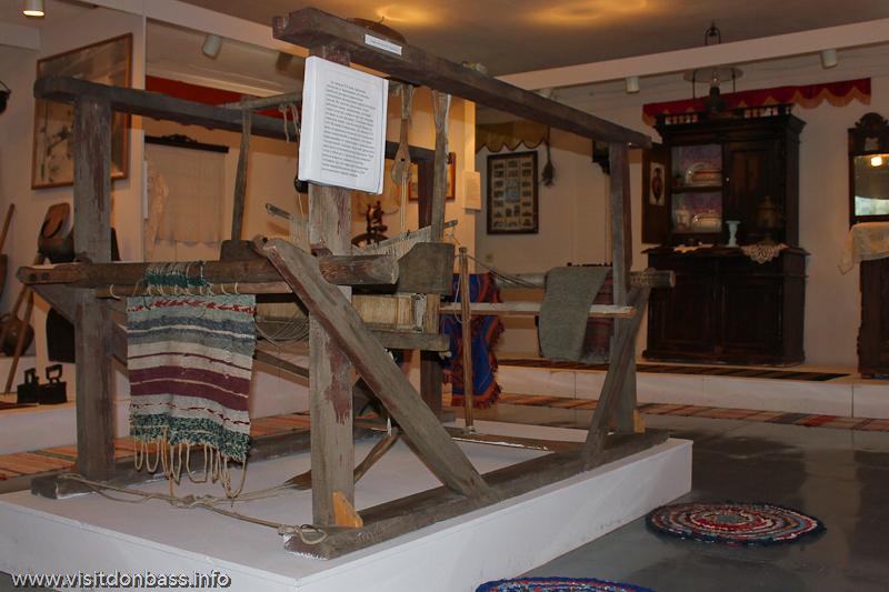 Прядильный станок в музее греков Приазовья