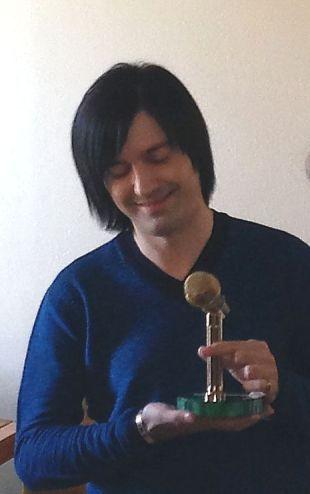 Гела с микрофоном 2