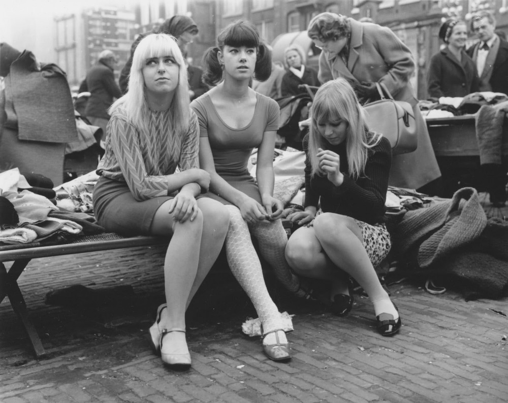 Teenagers in Waterlooplein, Amsterdam. 1966. Photo by Ed van der Elsken