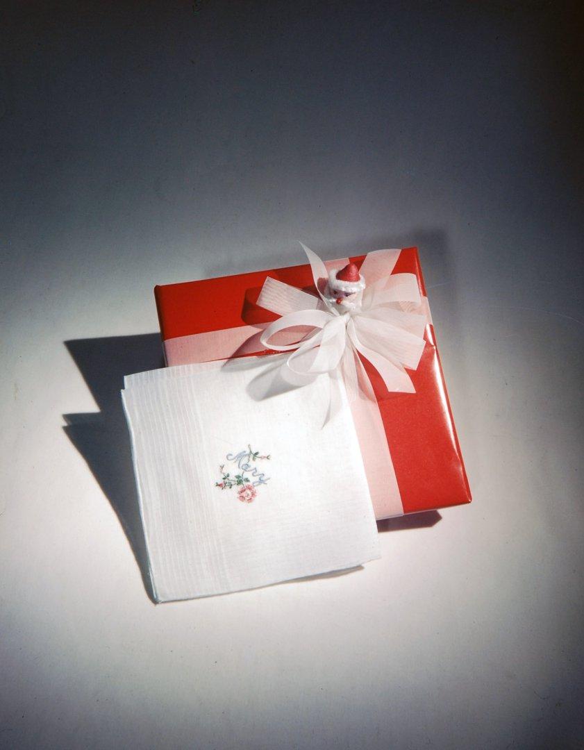 151207-christmas-gifts-01