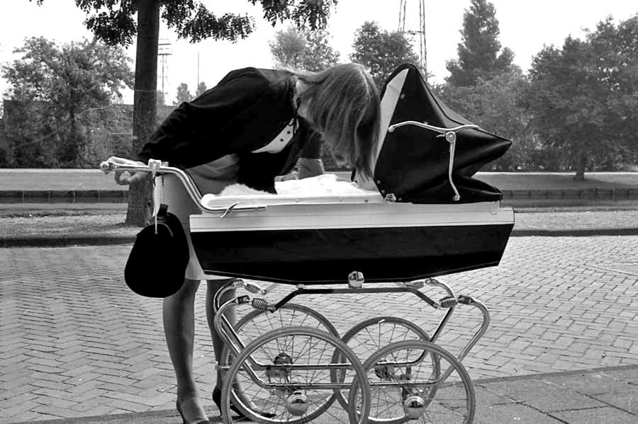London Street Scenes '1963