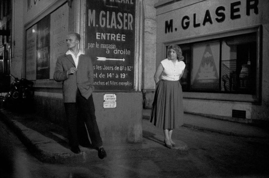 1956, Paris, Rue Saint-Denis, prostitute
