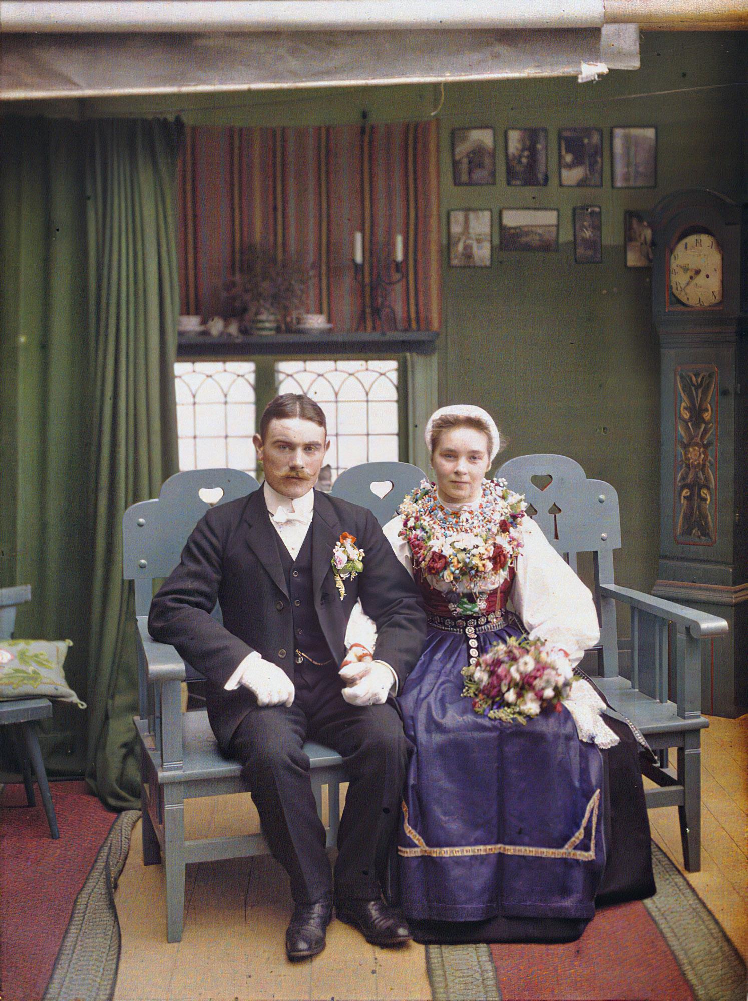 1910 28 августа  Молодожены в фотостудии Karinberget Laksund, Швеция, Auguste Leon