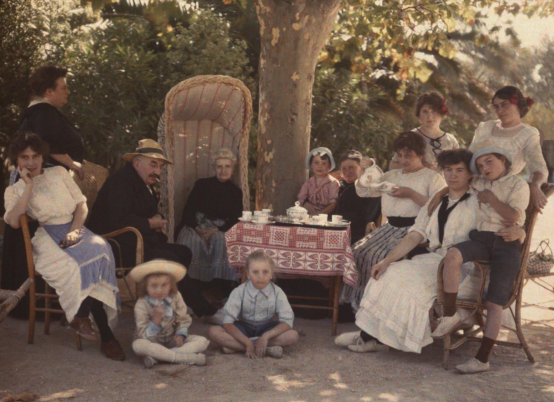 1910 Luis Lumiere em familia