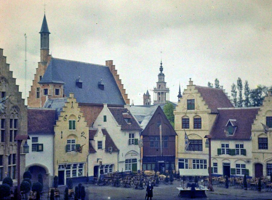 1910 Charles Corbet Rooftops2