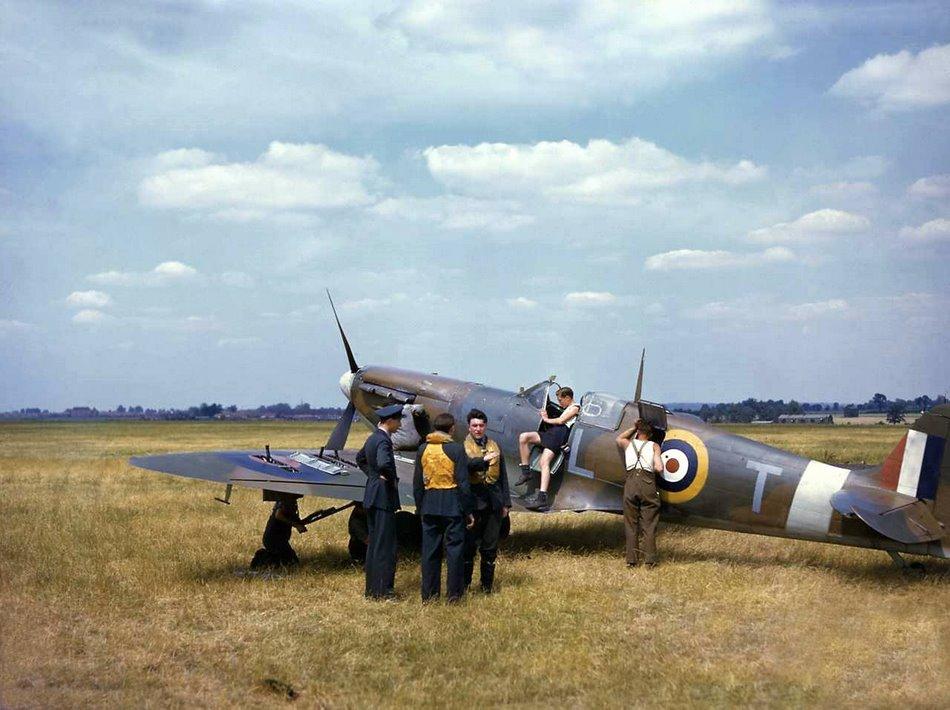 1940 England Spitfire