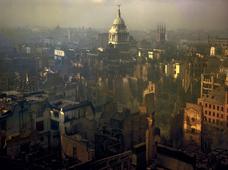 1940 London smolders2