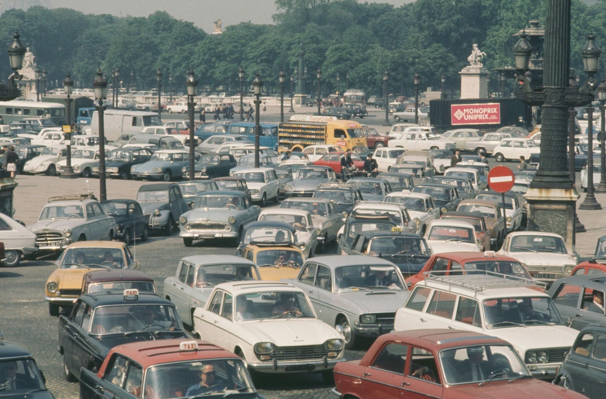 1970 Paris Place de la Concorde during a 24 hour transport strike