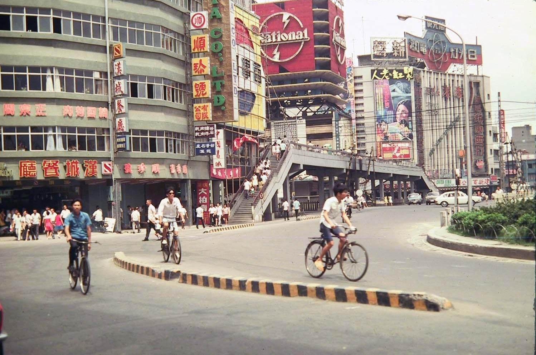 1970 Taipei Shimending traffic circle by N. Carpenter3