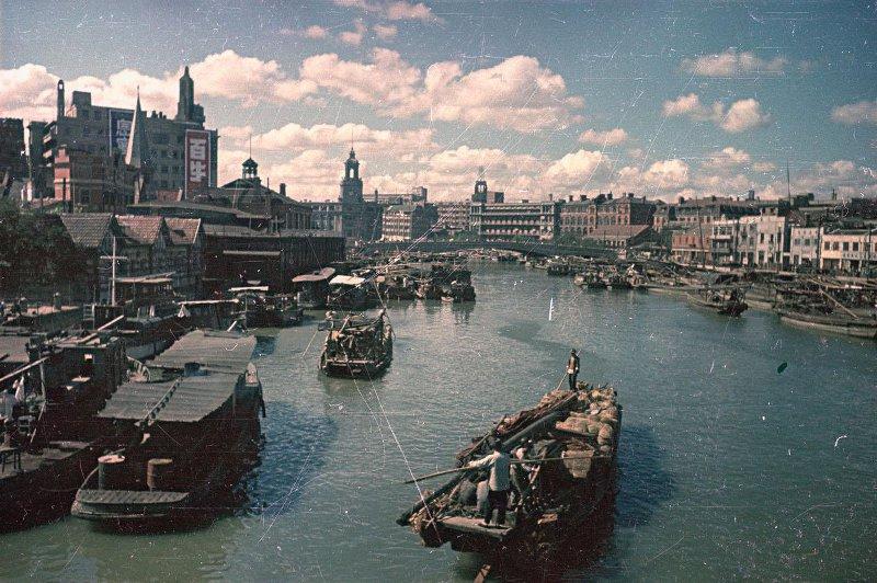 1949 Шанхай, на канале