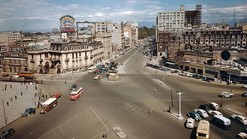 1950 Mexico Intersección de avenida Juarez, la calle de Bucareli y Paseo de la Reforma2