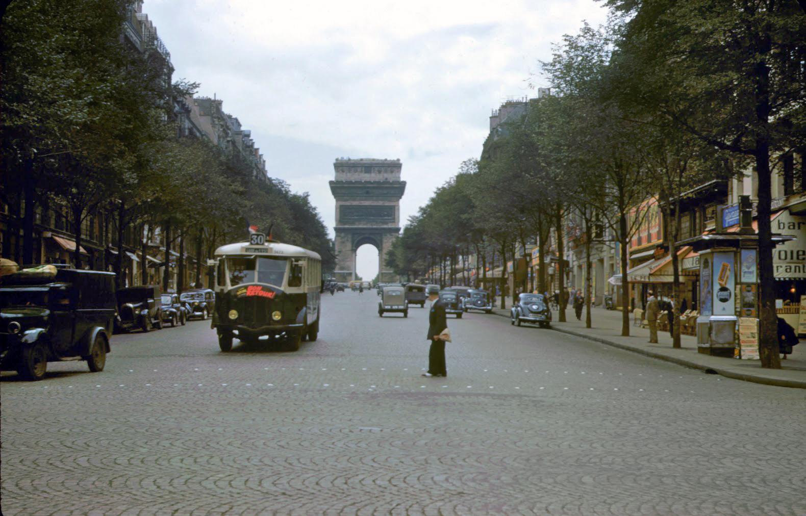 1950 Paris Arc de Triomphe0