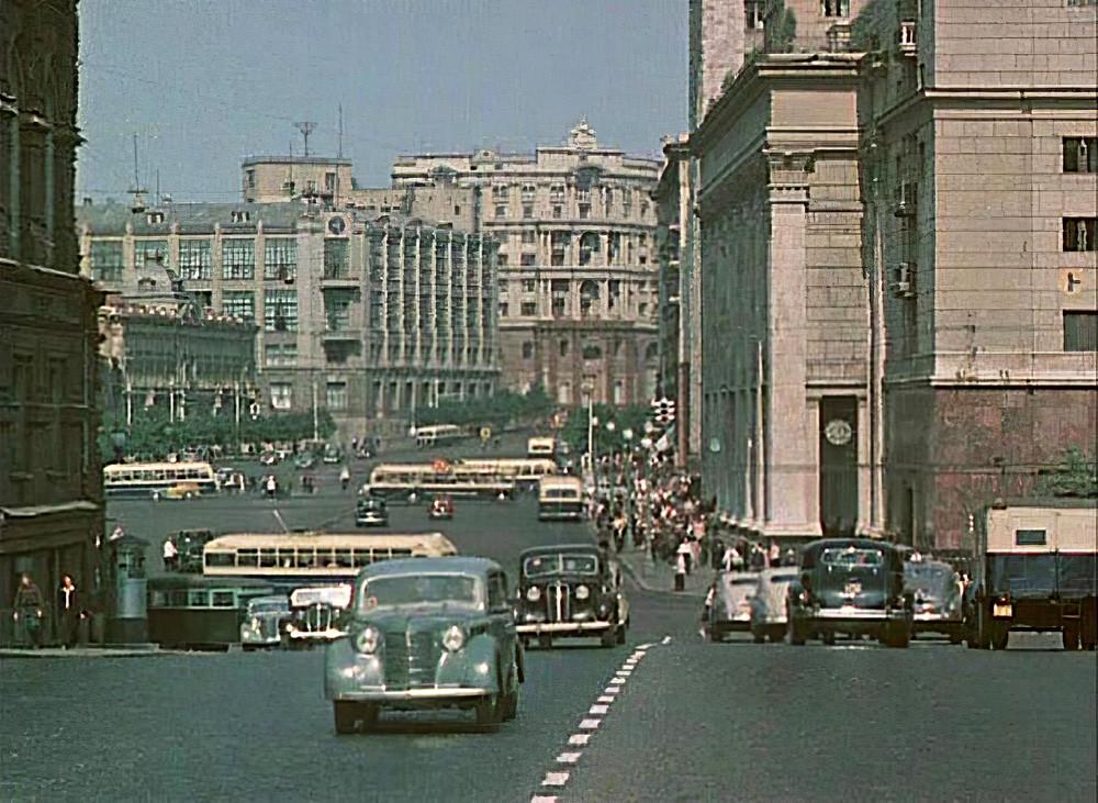 1950 Москва, ул. Горького1