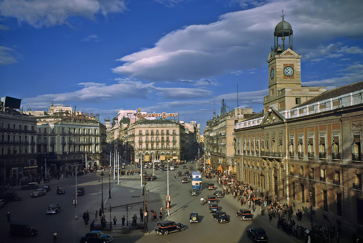 1950 Madrid, Puerta del Sol by Luis Marden