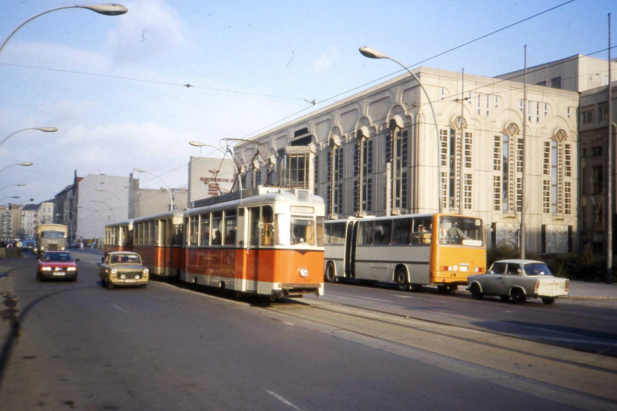 1990 Berlin Friedrichstrasse