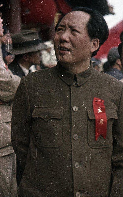 1949 Глава коммунистической партии Китая Мао Цзэдун на площади Тяньаньмэ́нь 1 октября 1949 года. Провозглашение Китайской Народной республики. Микоша3