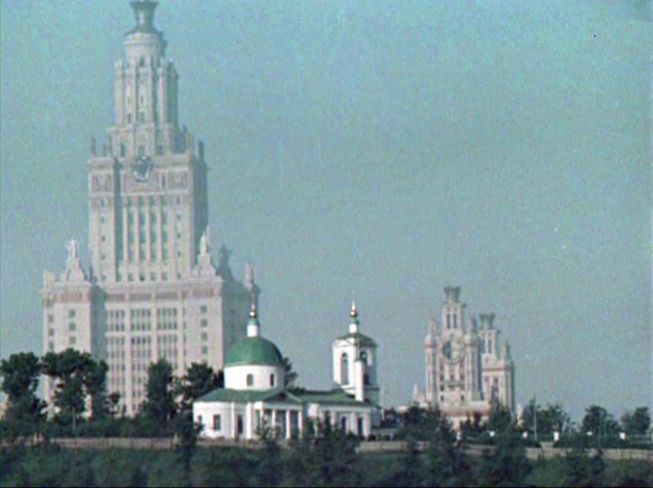 1956 Троицкая церковь, построенная в 1703 году, на Ленинских горах2