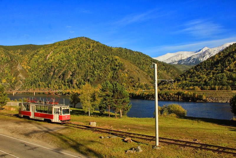 Самый красивый и самый молодой трамвай России
