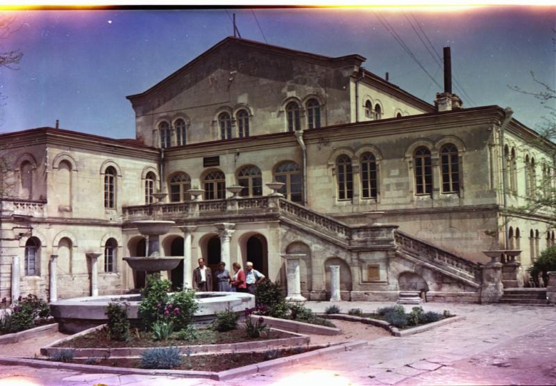 1955 Государственный Херсонесский музей. Средневековый отдел музея. В.Хухлаев