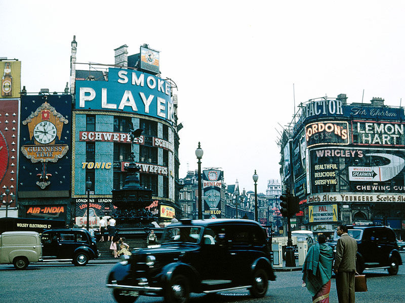 1948 London Piccadilly_Circus
