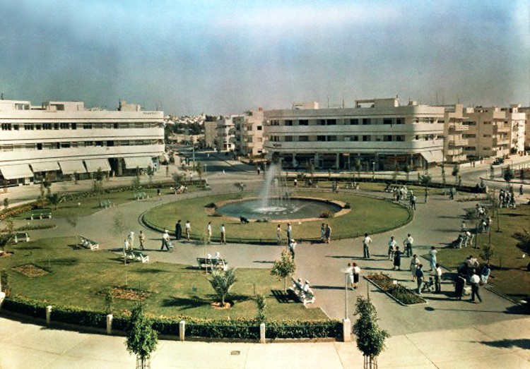 1938 Tel-Aviv Dizengoff square by Robert Moore