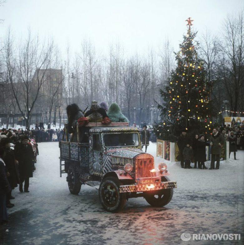 1978 Накануне празднования Нового года на улицах города Москвы, РИА Новости, Александр Гращенков
