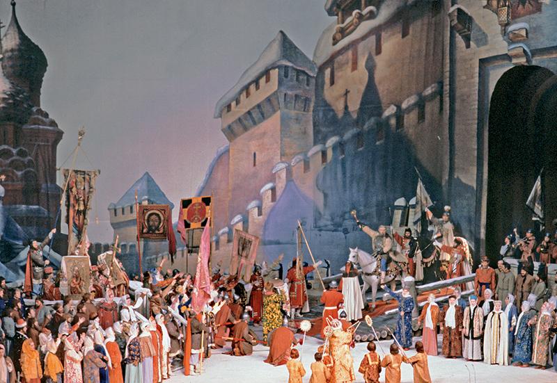 Заключительная сцена оперы Иван Сусанин. Большой театр, 1978 Александр Коньков ТАСС