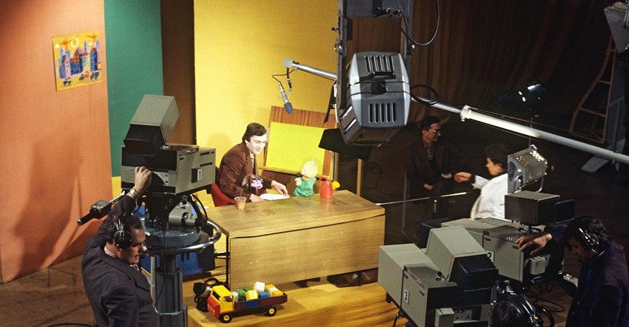 Идет рабочий момент записи телепередачи, 1978 год. Николай Малышев